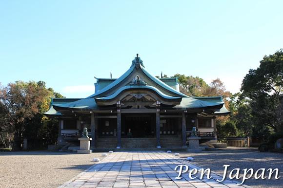 大阪城公園内にある豊国神社