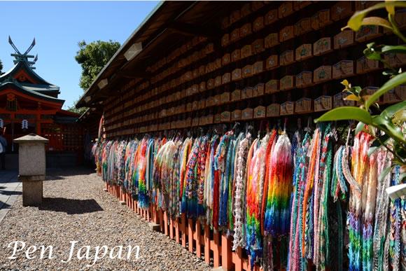 伏見稲荷大社内の東丸神社