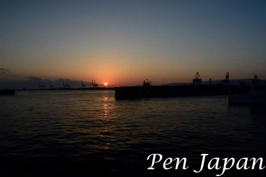 大阪港・中央突堤の夕景