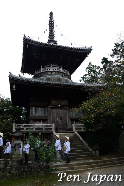 霊山寺の多宝塔