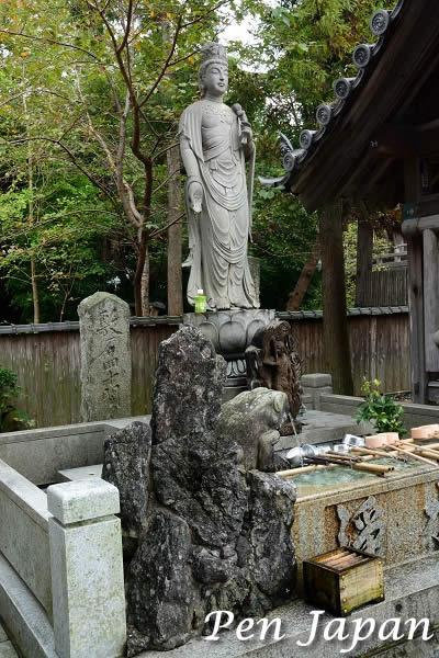 霊山寺の縁結び観音