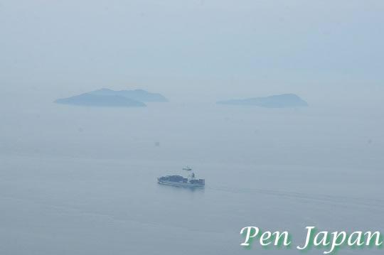 亀老山展望台から見た島々